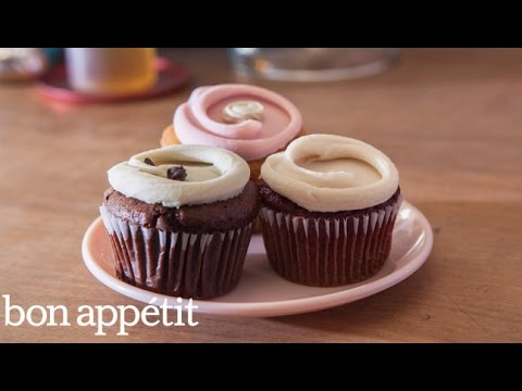 Frost Cupcakes Like a Pro with Erin McKenna | Sweet Spots